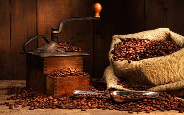 Bez mlinca se može, ali najfiniji espresso dobit ćete ako zrna kave meljete neposredno prije